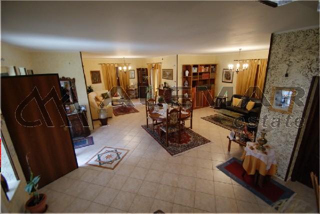 Фото дизайна интерьера квартир эконом класса